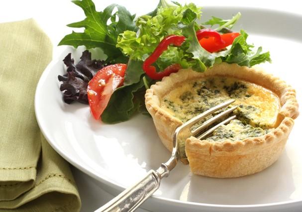 Leve o menu do almoço para os pratos (Foto: Thinkstock)