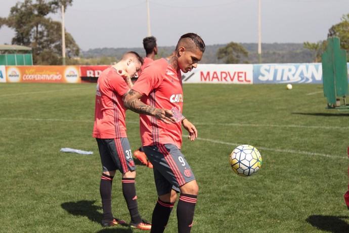 Flamengo vence a Chapecoense fora e assume a vice-liderança do Brasileiro