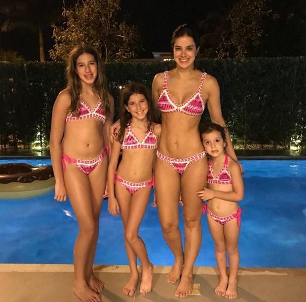 Vera Viel com as filhas Clara, Maria e Helena (Foto: Reprodução/Instagram)