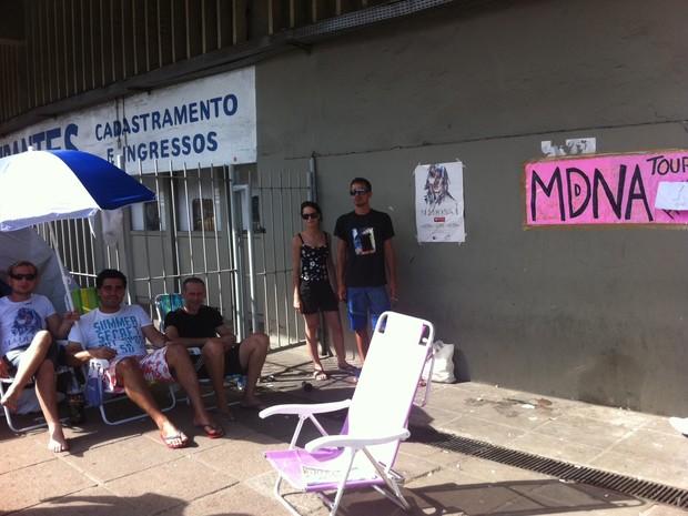 fãs; madona; show; olímpico; porto alegre; fila; rio grande do sul (Foto: Tatiana Lopes/G1)