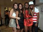 Bruna Marquezine e colegas de 'Salve Jorge' curtem show de Naldo