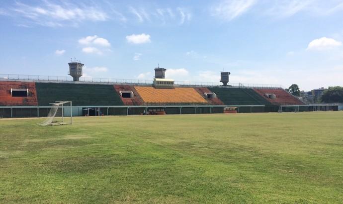 Estádio do Trabalhador, em Resende (Foto: Vinicius Lima/GloboEsporte.com)