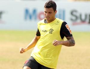 Ramon, lateral do Flamengo (Foto: Maurício Val / Vipcomm)
