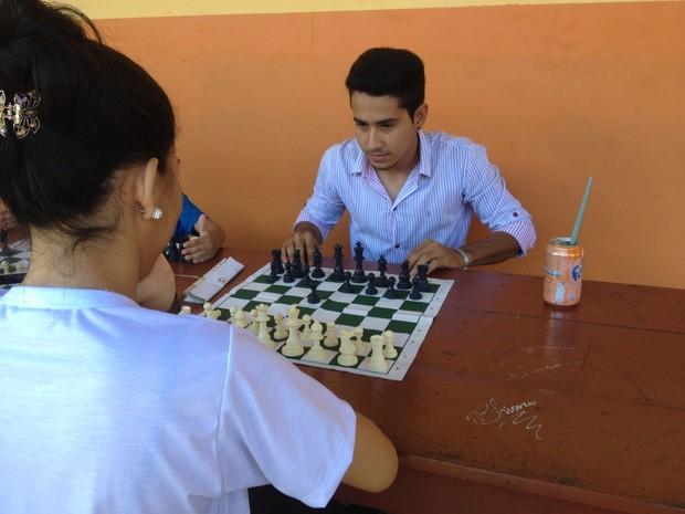 Jogos também foram oferecidos durante projeto (Foto: Fabiana Figueiredo/G1)