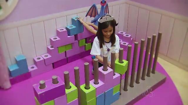 Espaço com temas das séries Disney Júnior é montado, em Manaus (Foto: Rede Amazônica)