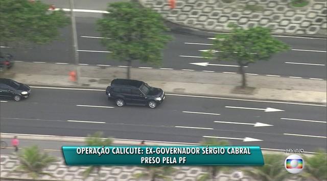 Carros da Polícia Federal seguem com ex-governador do Rio, Sérgio Cabral