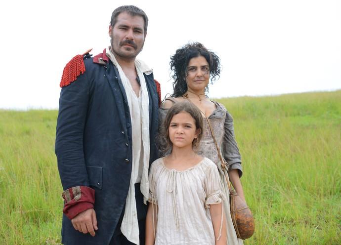 Tiradentes, Antônia e Joaquina em 'Liberdade, Liberdade' (Foto: Pedro Carrilho/Gshow)
