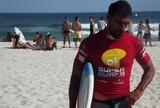 �ltimo concorrente do RJ ao t�tulo  do SuperSurf, L�o Neves cai em casa