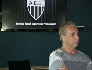 Presidente do Araxá,Daílsom Lettieri , durante lançamento do plano de marketing (Foto: Wilton Borges)