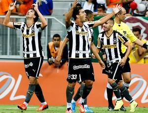 Zeballos botafogo Fluminense Estádio Mané Garrincha (Foto: Agência Getty Images)