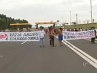 Indígenas liberam rodovia após protesto em praça de pedágio em Avaí