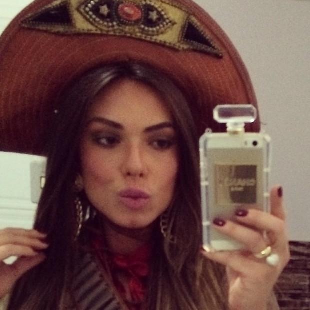 Populares EGO - Nicole Bahls se veste de cangaceira sexy - notícias de Famosos TD47