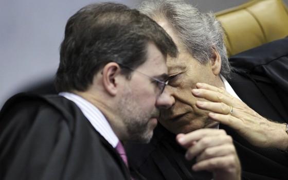 Ricardo Lewandowski e Dias Toffoli (Foto: REUTERS/Ueslei Marcelino)