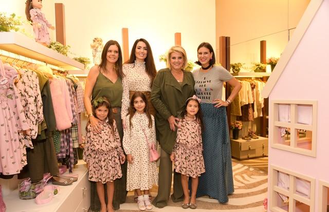 Carol e Lupy Porto, Iara e Maria Clara Jereissati , Riccy Souza Aranha, Ciccy e Missy Halpern (Foto: Luciana Prezia e Eduardo Lopes )