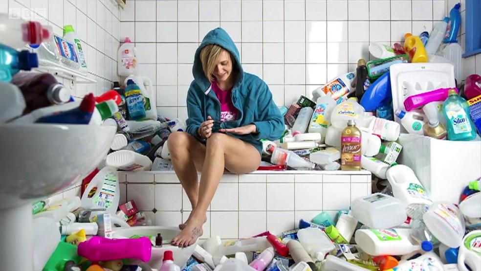 Representação do que aconteceira quando alguém não joga o lixo fora durante 4 anos (Foto: Antoine Repesse/BBC)