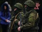 Homens armados ocupam dois aeroportos na Crimeia