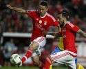 Benfica bate Arouca; Jonas marca em disputa polêmica com companheiro