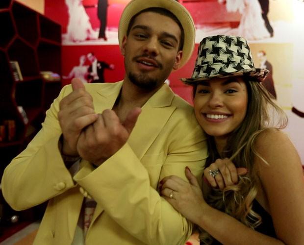 Lucas Lucco e Ana Paula Guedes na casa do Dança dos Famosos (Foto: Domingão do Faustão/ TV Globo)