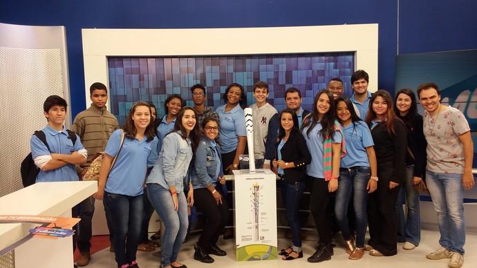 Mário recebeu alunos e integrantes de instituições de Uberlândia (Foto: Fernanda Resende)