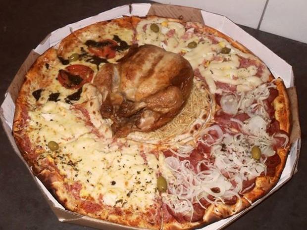 Pizza com recheio de frango assado (Foto: Ricardo dos Santos/Arquivo Pessoal)
