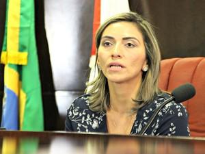 Promotora Cristiane Deuzany falou sobre o caso  (Foto: Camila Henriques/ G1 AM)