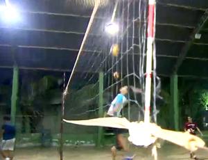 Equipe de vôlei da Escola Castelo Branco se prepara para o Joer (Foto: Reprodução/ TV Rondônia)