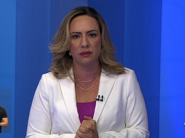 Adriana Accorsi (PT) participa de debate na TV Anhanguera, em Goiânia, Goiás (Foto: Reprodução/TV Anhanguera)