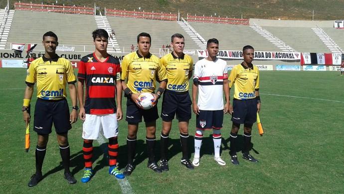 Flamengo e São Paulo, pela Taça BH 2016 (Foto: FMF/Divulgação)