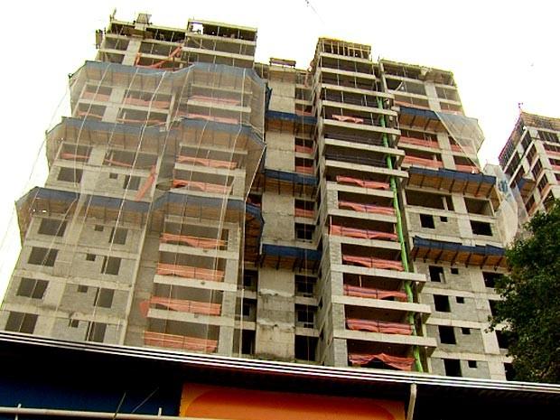 Condomínio tem obra embargada em Campinas (Foto: Reprodução / EPTV)