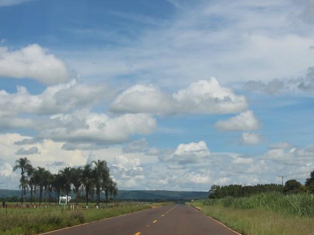 Céu de Campo Grande na tarde desta quinta-feira (25) (Foto: Maria Caroline Palieraqui/G1 MS)