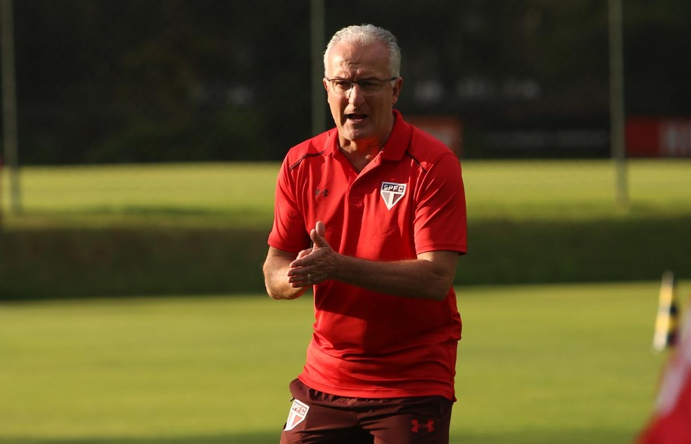 Dorival Júnior terá muito trabalho pela frente para reerguer o São Paulo (Foto: Rubens Chiri / saopaulofc.net)