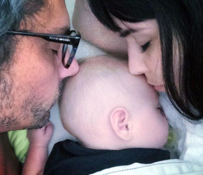 Alexandre Nero com o filho Noá e a mulher Karen Brusttolin (Foto: Arquivo pessoal)