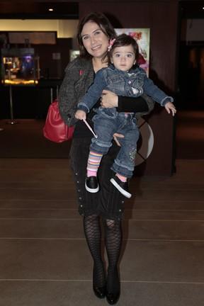 Rachel Ripani e a filha Giulia Helena em pré-estreia de peça em São Paulo (Foto: Rafael Cusato/ Brazil News)