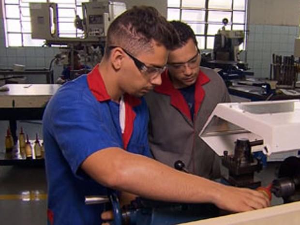 Brasil fecha 1,32 milhão de empregos formais em 2016