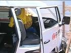 Motorista passa mal, perde controle de Kombi e morre após batida em GO