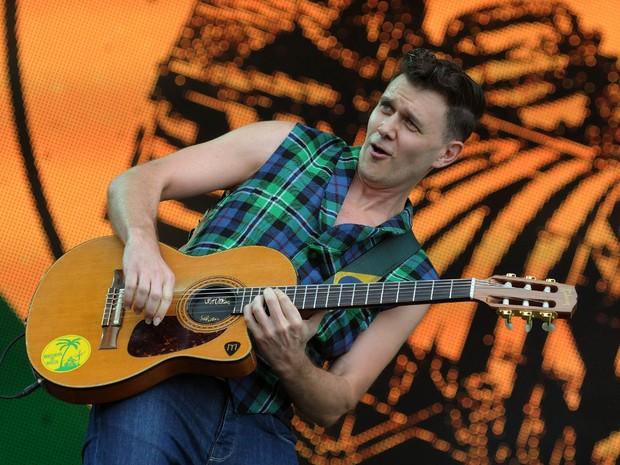 João Suplicy tocou violão no show da dupla Brothers of Brazil (Foto: Alexandre Durão/G1)