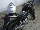PM troca tiros com suspeitos e recupera motocicleta em Oliveira