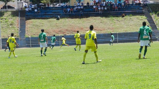 Jogo Verdinho e Nacional de Nova Serrana, Campeonato Mineiro Júnior (Foto: Caroline Aleixo/GLOBOESPORTE.COM)