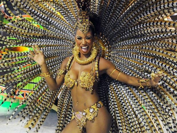 Acadêmicos do Cubango - Destaque de chão da escola mostra que tem samba no pé (Foto: Alexandre Durão/G1)