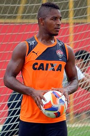 Rafaelson; Vitória (Foto: Francisco Galvão/EC Vitória/ Divulgação)