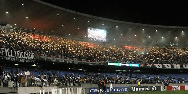 festa torcida Fluminense jogo Maracanã (Foto: André Durão / GLOBOESPORTE.COM)