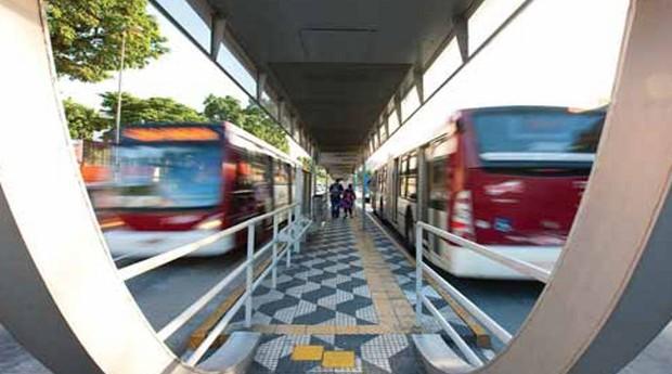 Corredor de ônibus em São Paulo (Foto: André Porto/Metro)
