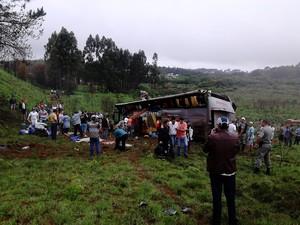 Acidente em Passo Fundo deixou mortos e feridos (Foto: Fábio Lehmen/RBS TV)