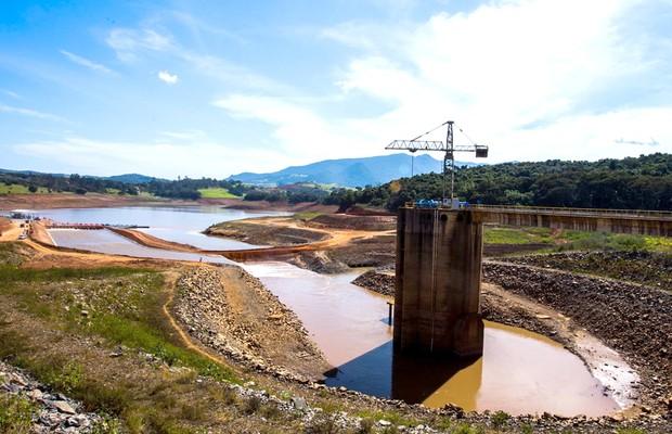 Sem chuva, volume do Cantareira permanece estável