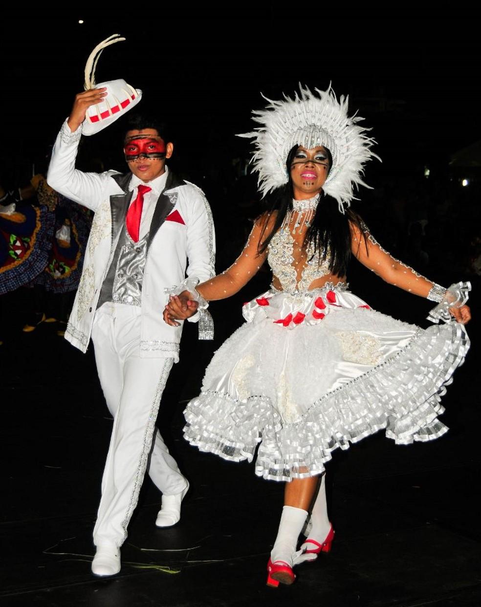 Encontro reúne noivas juninas de 17 estados do país no Ceará