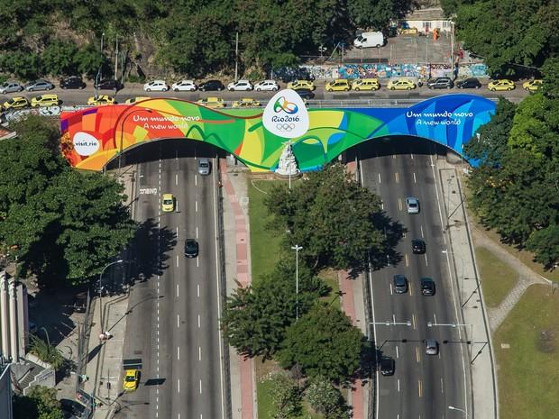 Túnel Novo, em Botafogo, já decorado para a Olimpíada (Foto: Renato Sette Câmara/Prefeitura do Rio)
