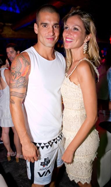 Ellen Jabour e o namorado, Karim Aum, em festa de réveillon em Angra dos Reis, no Rio de Janeiro (Foto: Wanderson Monteiro/ Divulgação)