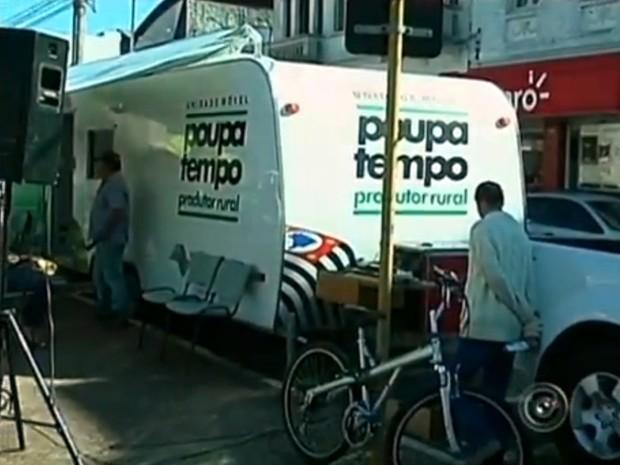 Unidades do Poupatempo Rural foram entregues (Foto: Reprodução/TV Tem)
