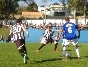 Cruzeiro x Figueirense pela Taça BH de Futebol Júnior 2014 (Foto   Divulgação FMF b2404d2c2ba84