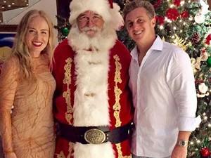 Angélica e Luciano Huck em clima natalino com o Papai Noel  (Foto: Arquivo pessoal)